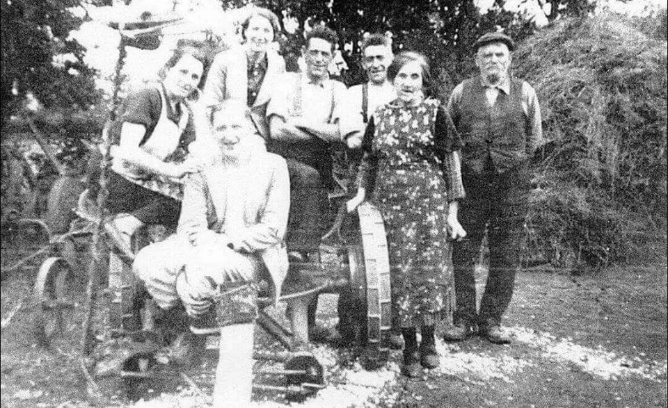 Mary Cassidy (nee Duddy) and John Cassidy with some of their children, ancestors of Kathy Cox and Shane Cassidy